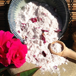 Milk & Salt Bath (Rose de Mai) 2